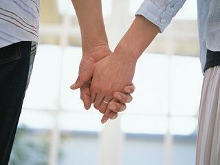 """男は""""心を洗ってくれた女性""""と結婚する。"""