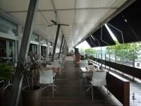 ホテル1階マリーナ沿いにあるレストラン