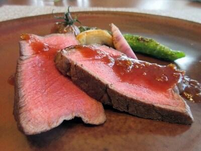オーストラリア産牛フィレ肉のソテーソースレフォールまたはマルサラソース