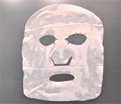 顔にぴったりフィットするシートパックの形状