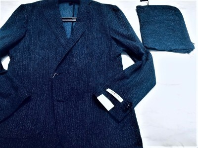 ジャケットをバッグに入れるために付属する専用ポーチ。昨今、こんなジャケットが増えていたことをご存知でしたか。