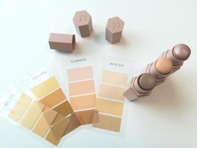 日本人の肌色見本と「MatchStixTrio(マッチスティックストリオ)」。Light100はブルーベースの肌色にマッチします