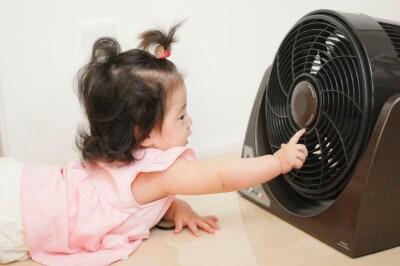 子供が扇風機に指を入れて危ない!なんてことはもちろん起きません。