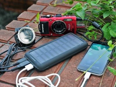 ソーラー充電可能!アウトドアで大活躍の大容量充電器