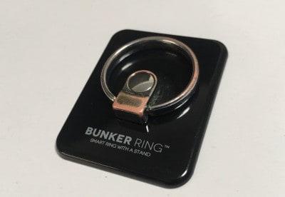 私は、スタンダードは「BUNKERRING3」のブラックを使っています