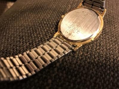 気になる時計の汚れと重さ。もっと綺麗に、快適に時計を付けたい。