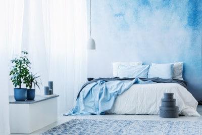 部屋を青でまとめる際は重厚感に注意