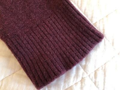 洗濯後、乾いた袖口。洗う前と比較するとカタチが整っているように見えます。