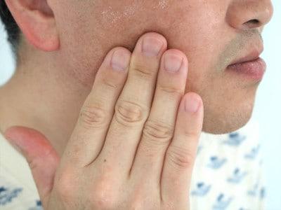 ZIGENオールインワンフェイスジェルで男性の肌を集中保湿