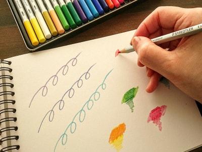 指にフィットし描き心地もバツグンなステッドラーカラト水彩色鉛筆
