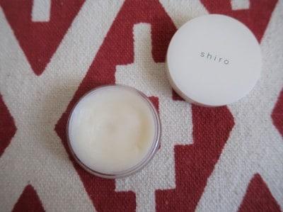 一番人気の「サボン」の香りにはゴマ油やミツロウなどの保湿成分入り