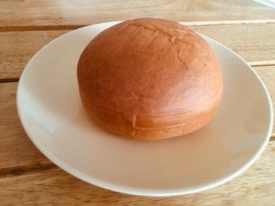 思わずなでなでしたくなる、まん丸パン