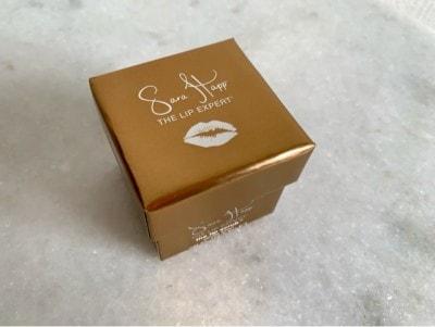 ミニサイズのボックスに入っていて、香りによってカラーが違います