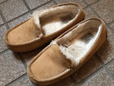 あたたかくて履きやすいUGGの靴
