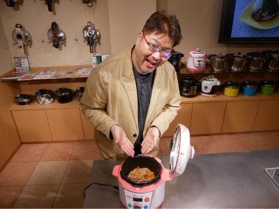 電気圧力鍋「やわらかさん」は、介護食づくりの強い味方です