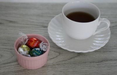 紅茶とリンドールチョコレート