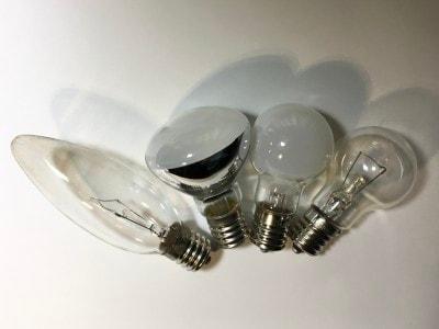 IKEA/FORSAフォルソーワークランプ。使える普通電球