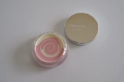 ピンクと白のマーブル模様がかわいい「m.m.mスキンスムーザー」