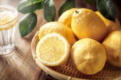 レモンは新陳代謝を上げるのに効果的