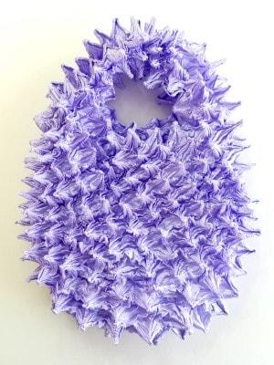絞った形が貝に似ているので「唄絞り」と呼ばれています