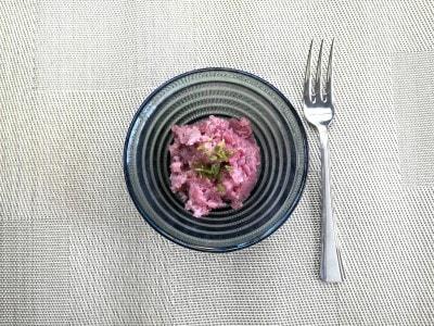 ピンク色の「ノーザンルビー」のポテトサラダ
